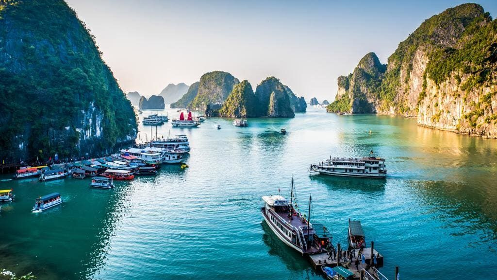Traveling by boat in Halong