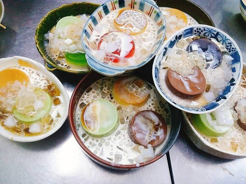 5-BEST-CULINARY-STREETS-IN-SAIGON141