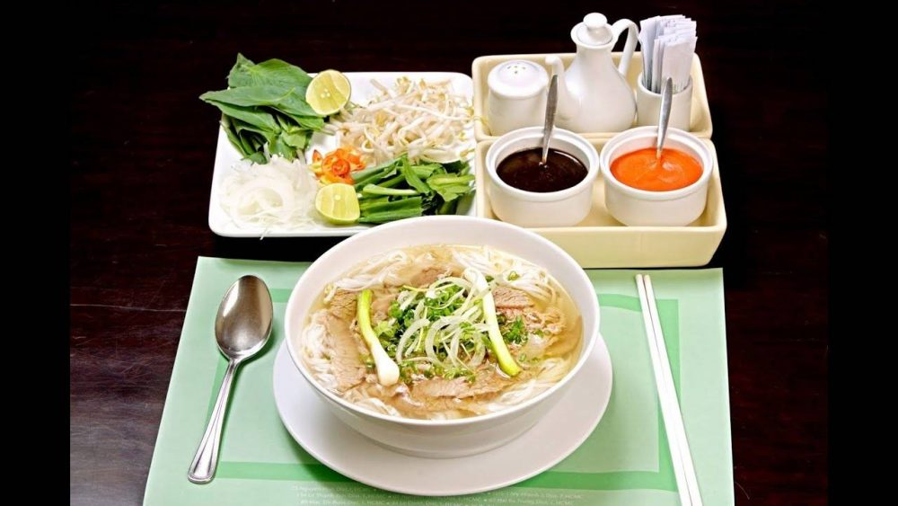 7-PLACES-TO-EAT-PHO-IN-HANOI11