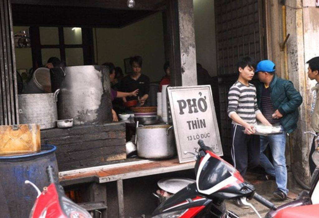 7-PLACES-TO-EAT-PHO-IN-HANOI07