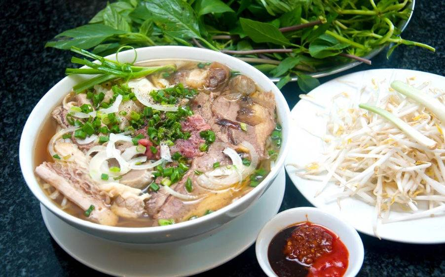 7-PLACES-TO-EAT-PHO-IN-HANOI0