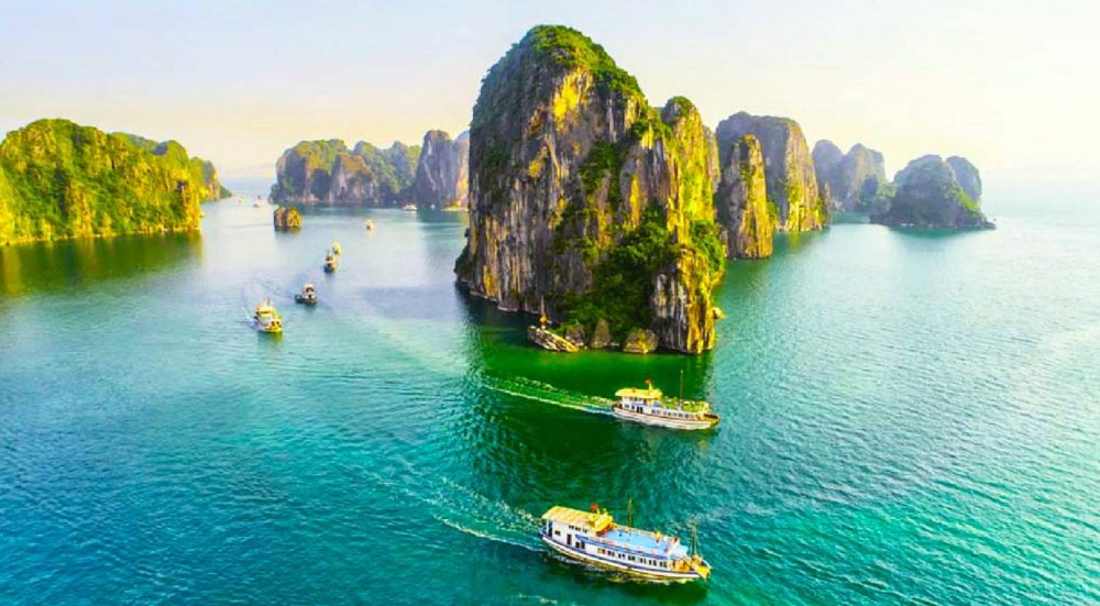 7 MOST ATTRACTIVE SPOTS IN HALONG BAY