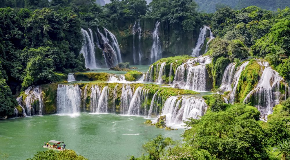 THE SPECIAL BAN GIOC WATERFALL FESTIVAL WITH MANY EXCITING ACTIVITIES
