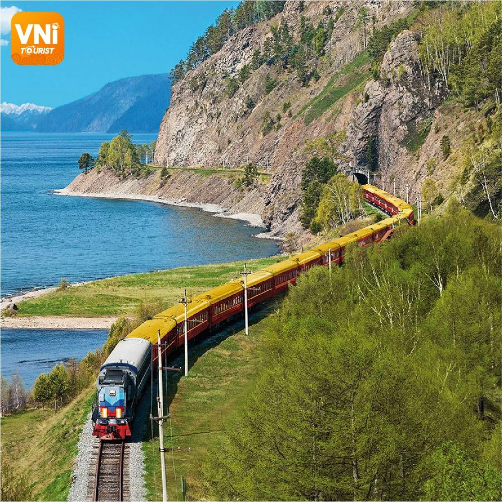 EXPERIENCES FOR TRAVELING BY TRAIN IN VIETNAM