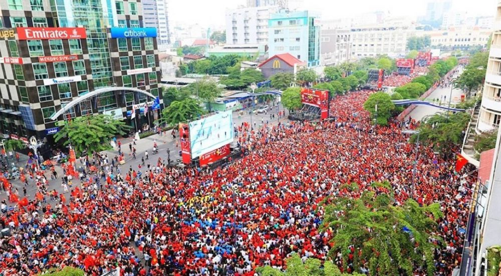 HOT EVENT IN VIETNAM: ON THIS SEPTEMBER 5, THERE WILL BE GIANT SCREENS SHOWING THE VIETNAM – THAILAND FOOTBALL GAME ON NGUYEN HUE STREET