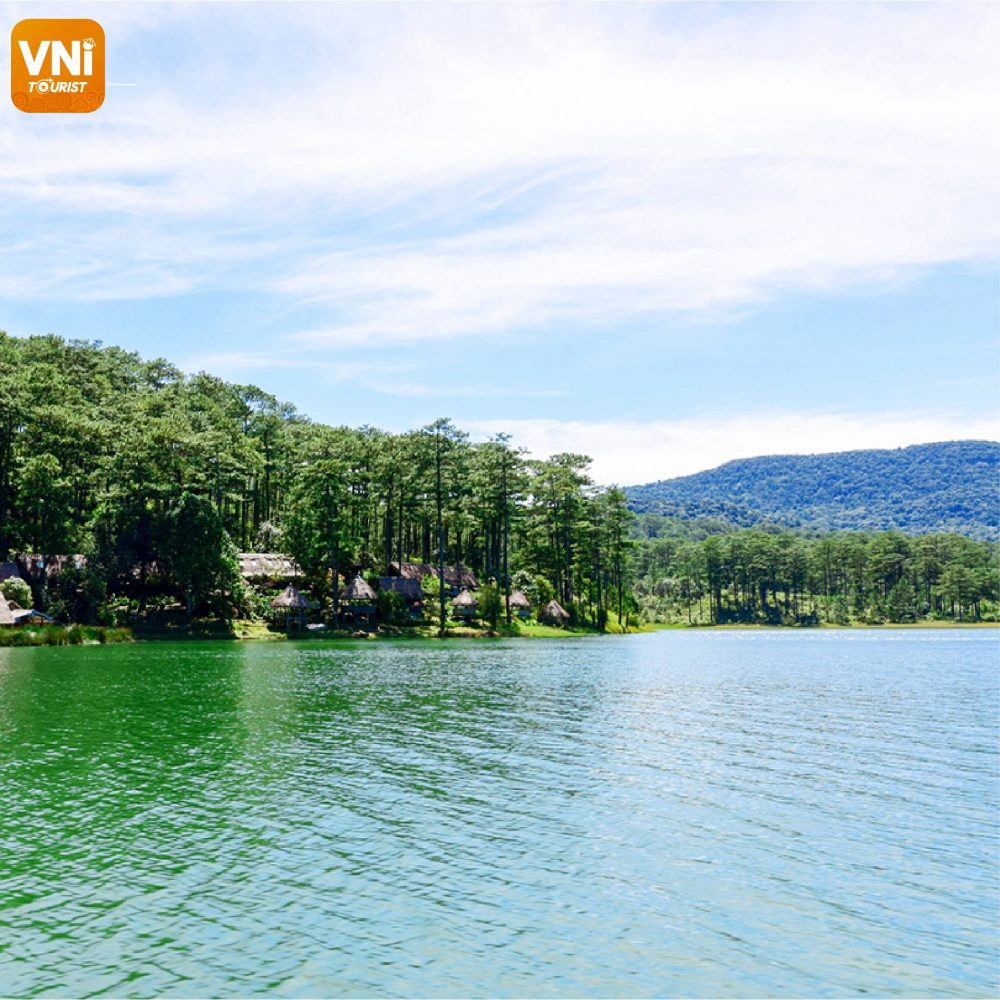 TUYEN-LAM-LAKE-DA-LAT-TRAVEL-EXPERIENCE5