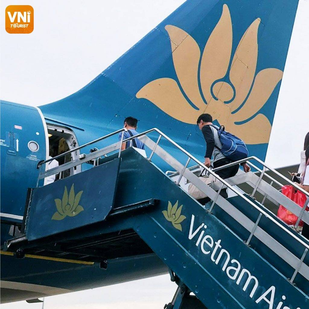 WHY-DO-PASSENGERS-HAVE-TO-BOARD-A-PLANE-ON-THE-LEFT-023