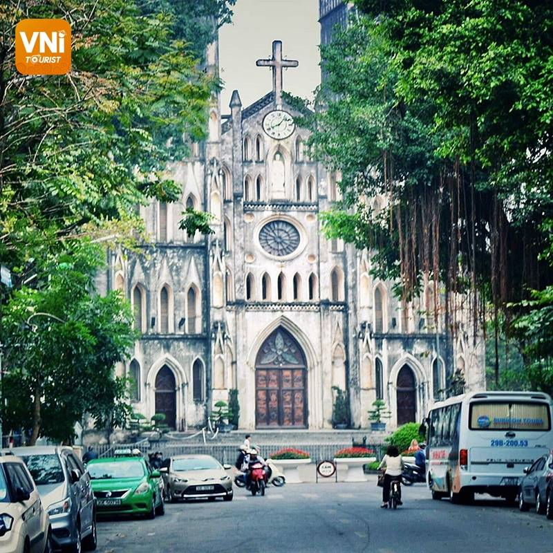 EXPLORE THE UNIQUE FEATURES OF HANOI CATHEDRAL