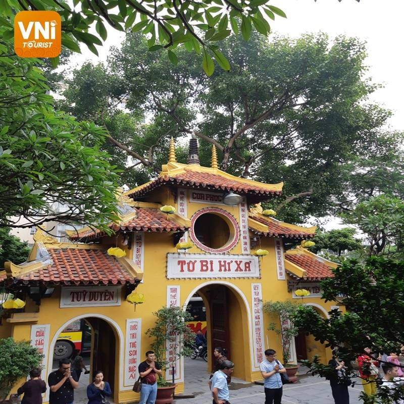 QUAN SU PAGODA – THE MOST SACRED PLACE IN THE CAPITAL