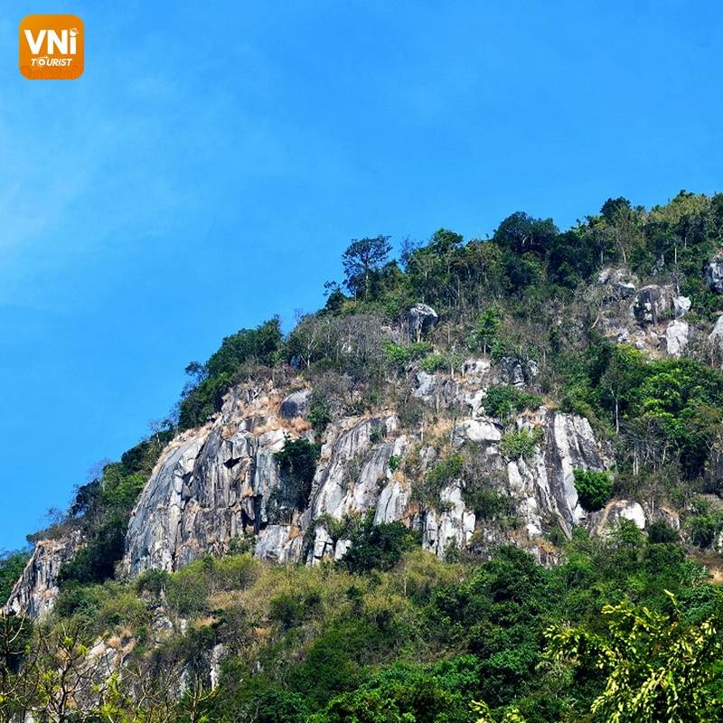 BA DEN MOUNTAIN – A TOURIST ATTRACTION NEAR HO CHI MINH CITY