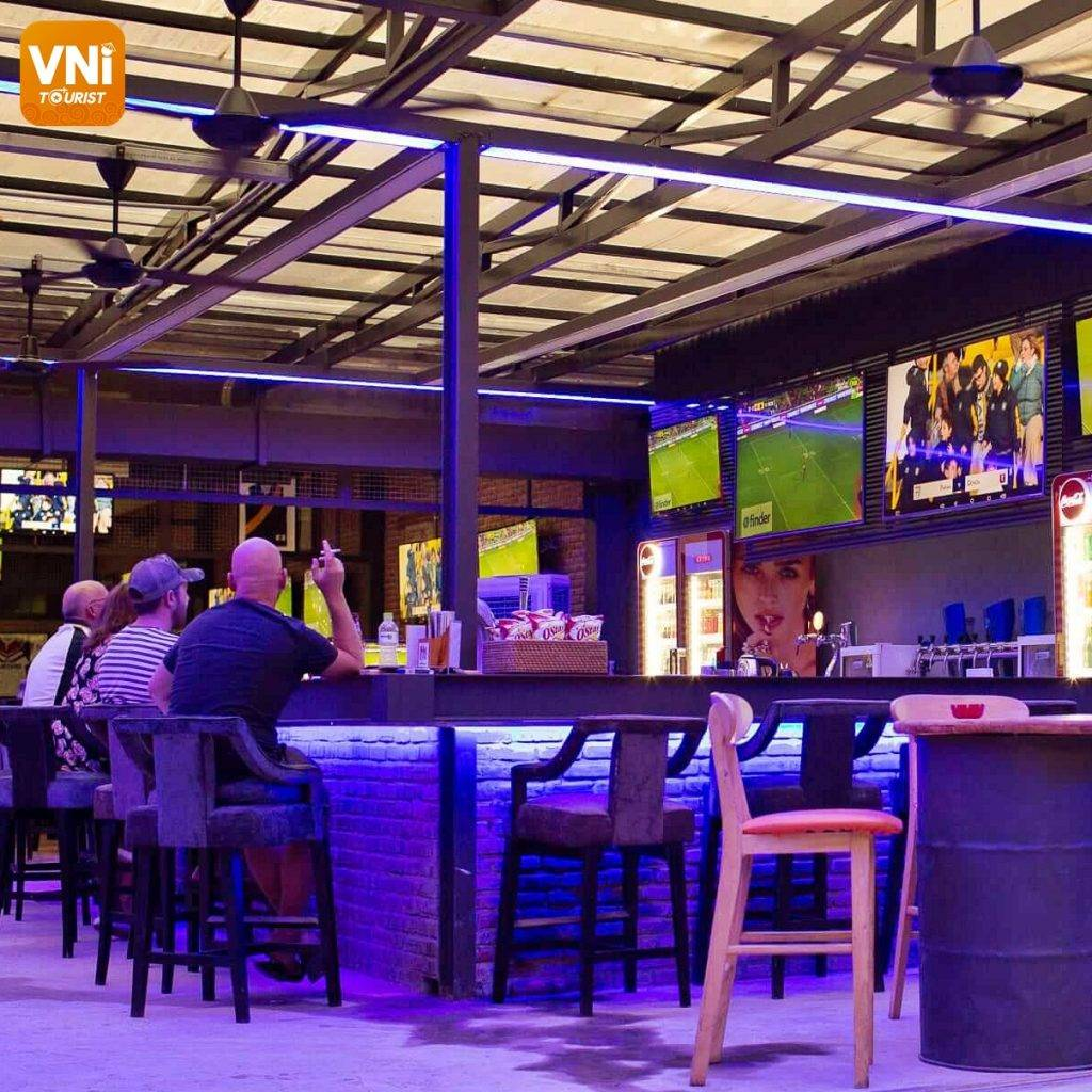 HOI AN NIGHTLIFE:THE FINEST BARS AND PUBS-2