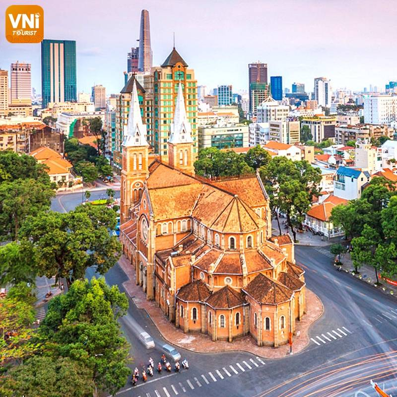 Notre dame cathedral in ho chi minh city-1