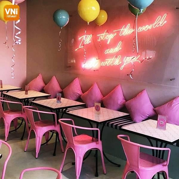 "FIVE PINK SAIGON COFFEE SHOPS FOR ""GIRLY TEAM""-5"