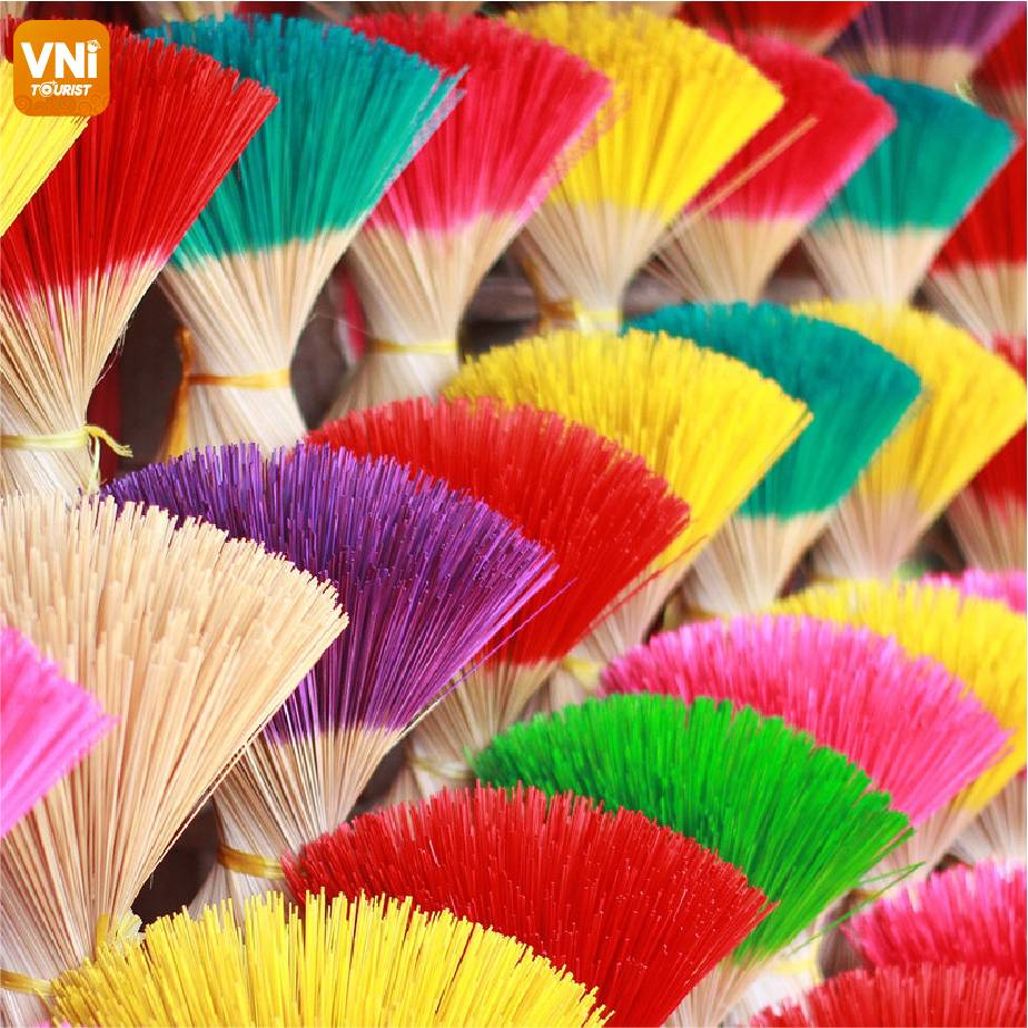 700-YEAR-INCENSE-MAKING-VILLAGE-IN-HUE-071