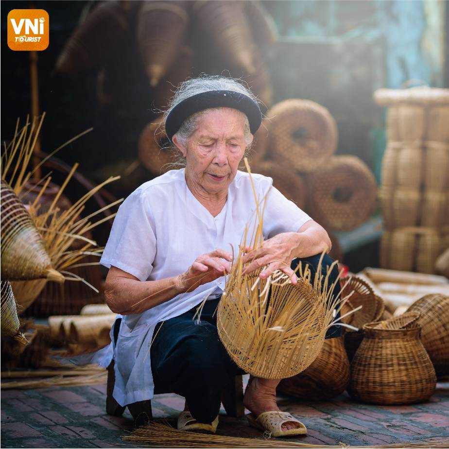 THE-200-YEAR-OLD-CAFT-VILLAGE-119
