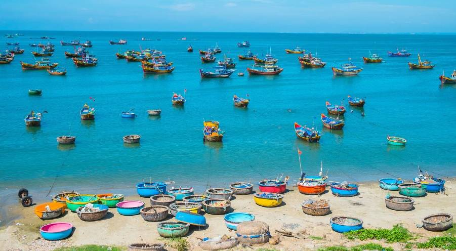 Phan Thiet, the alluring intersection between the desert and the sea
