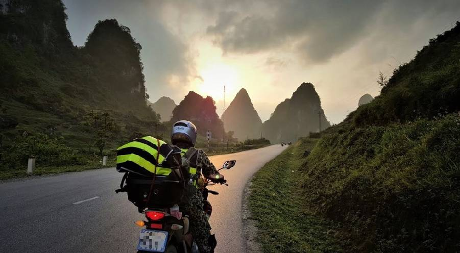 Adventurous off-road experiences by motorbike on Ho Chi Minh Highway